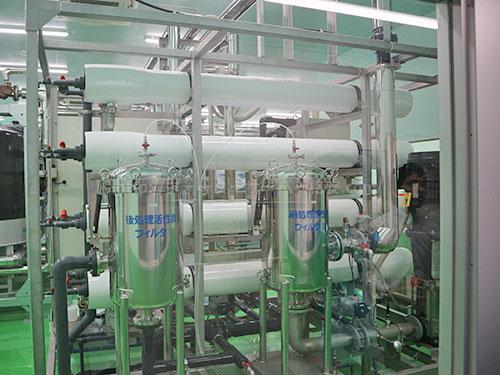 アクアクララ工場内のRO膜装置