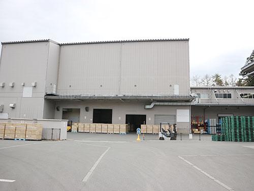 プレミアムウォーターの富士吉田工場の外観