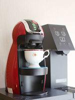 a.kさんアクアクララ「アクアウィズ」のネスカフェ ドルチェ グスト設置風景、コーヒーマシン部分