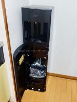 jkoさんスラットのマットブラック水ボトル設置部分