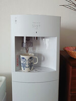 mmiiさんフレシャス「スラット+カフェ」マットホワイト、ドリップコーヒーを抽出