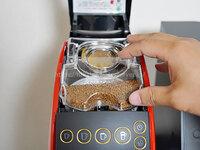 アクアウィズのバリスタ、コーヒータンクをセット