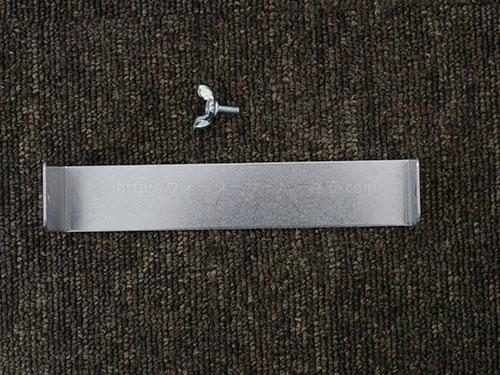 キララ スマートサーバーの転倒防止金具