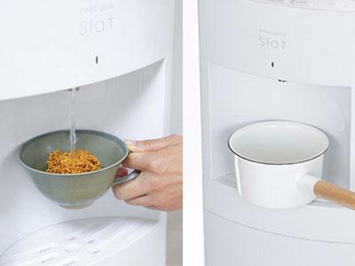 リヒート機能で熱々のお湯が注げ、ワイドなトレーで料理にも